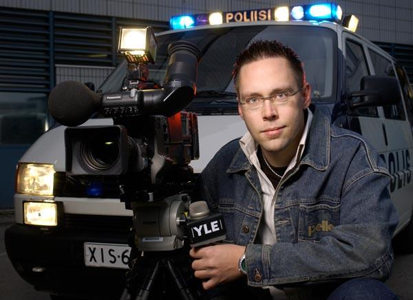 Poliisi-tv:n promokuva vuodelta 2002.